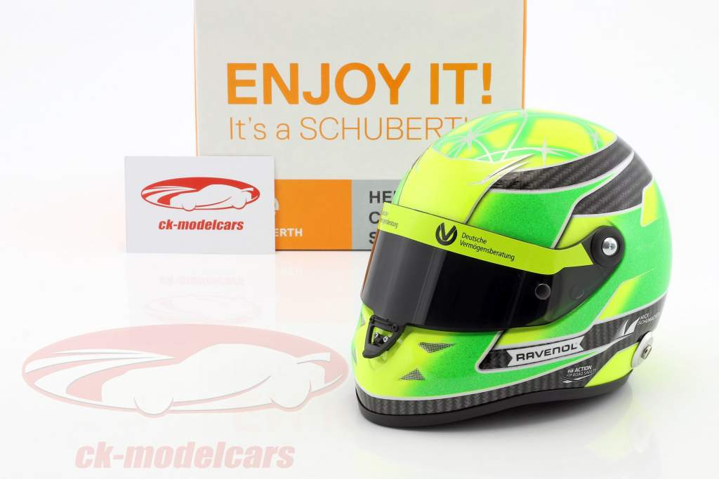 Mick Schumacher Dallara F317 formule 3 kampioen 2018 helm 1:2 Schuberth