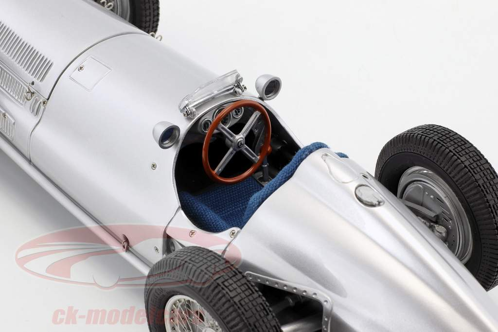 Mercedes-Benz W154 formula 1 1938 the great winner from France 1:18 CMC
