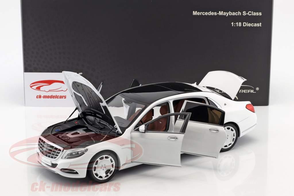 Mercedes-Benz Maybach S-classe ano de construção 2016 diamante branco 1:18 Almost Real
