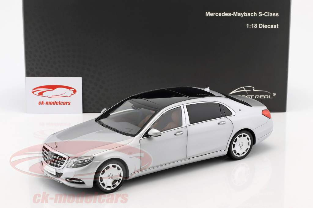 Mercedes-Benz Maybach S-Klasse Bouwjaar 2016 iridium zilver 1:18 Almost Real