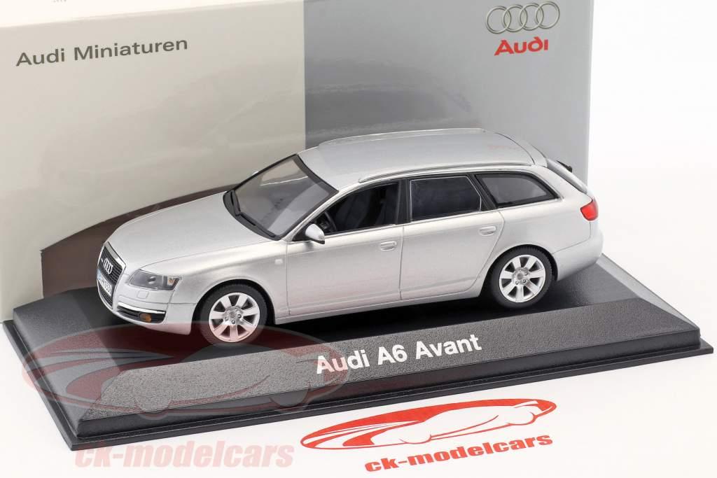 Audi A6 Avant 2004 plata metálica 1:43 Minichamps