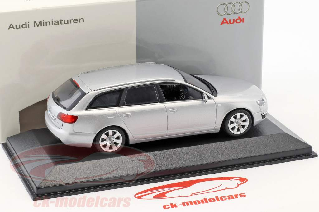 Audi A6 Avant 2004 zilver metallic 1:43 Minichamps