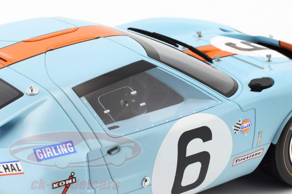 Ford GT40 Mk I #6 winnaar 24h LeMans 1969 Ickx, Oliver 1:12 CMR
