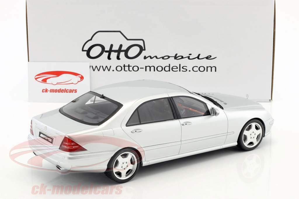 Mercedes-Benz S55 AMG (W220) año de construcción 2000 brillante plata 1:18 OttOmobile