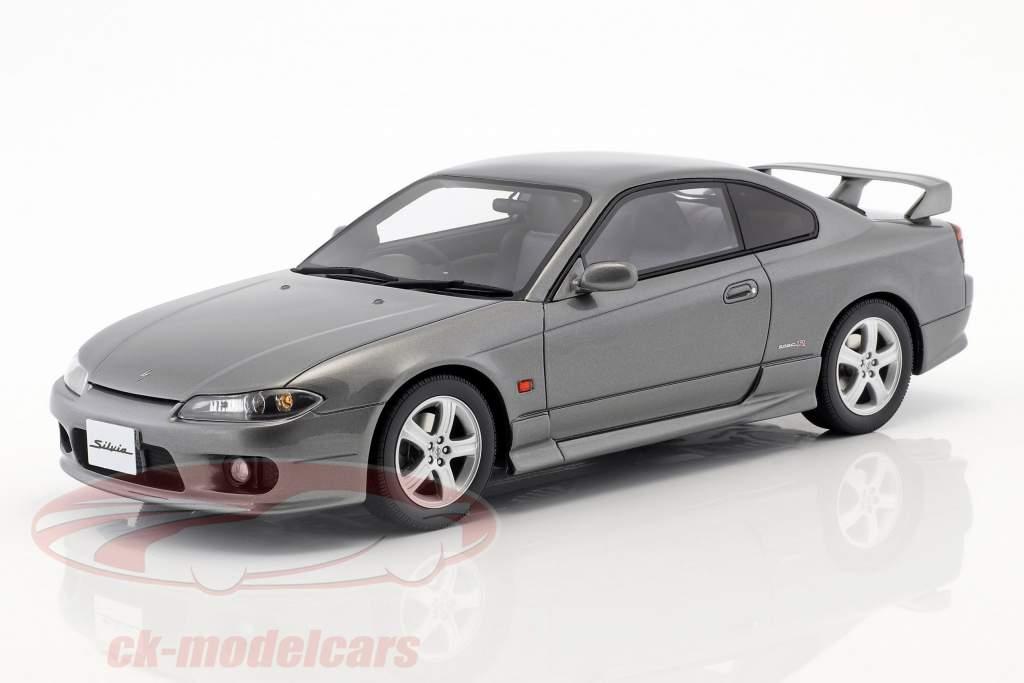 Nissan Silvia spec-R AERO (S15) année de construction 1999 mousseux argent 1:18 OttOmobile