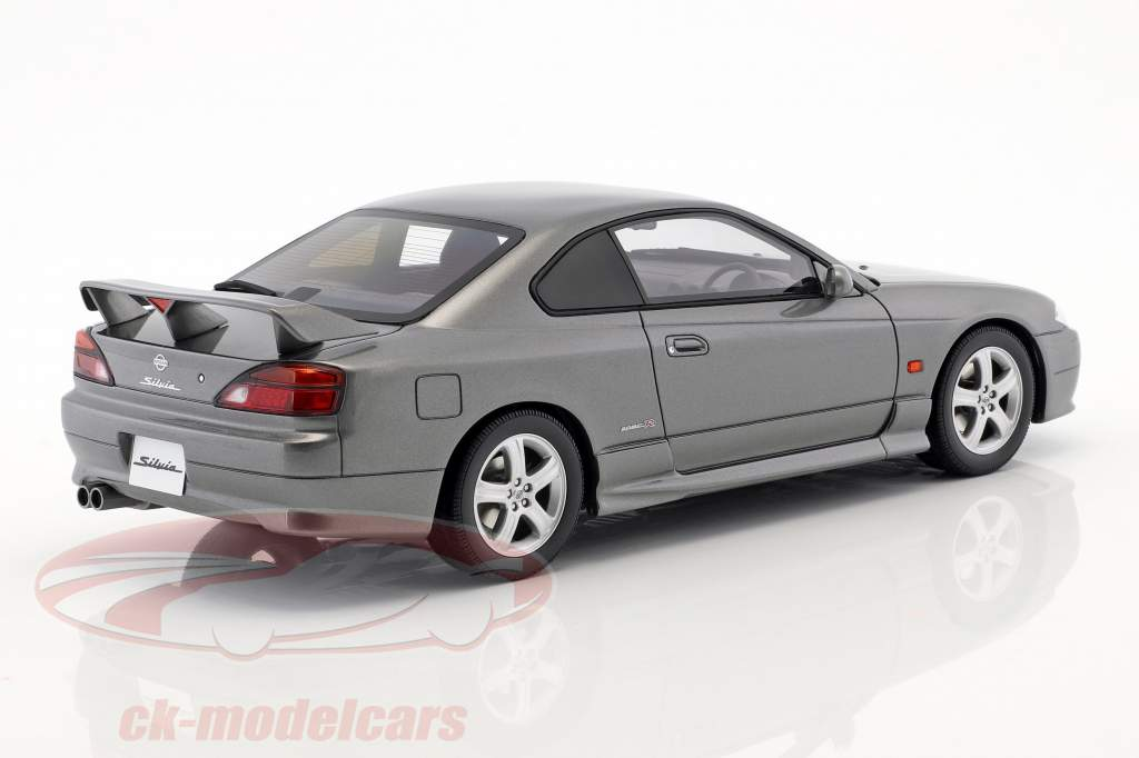 Nissan Silvia spec-R AERO (S15) año de construcción 1999 espumoso plata 1:18 OttOmobile