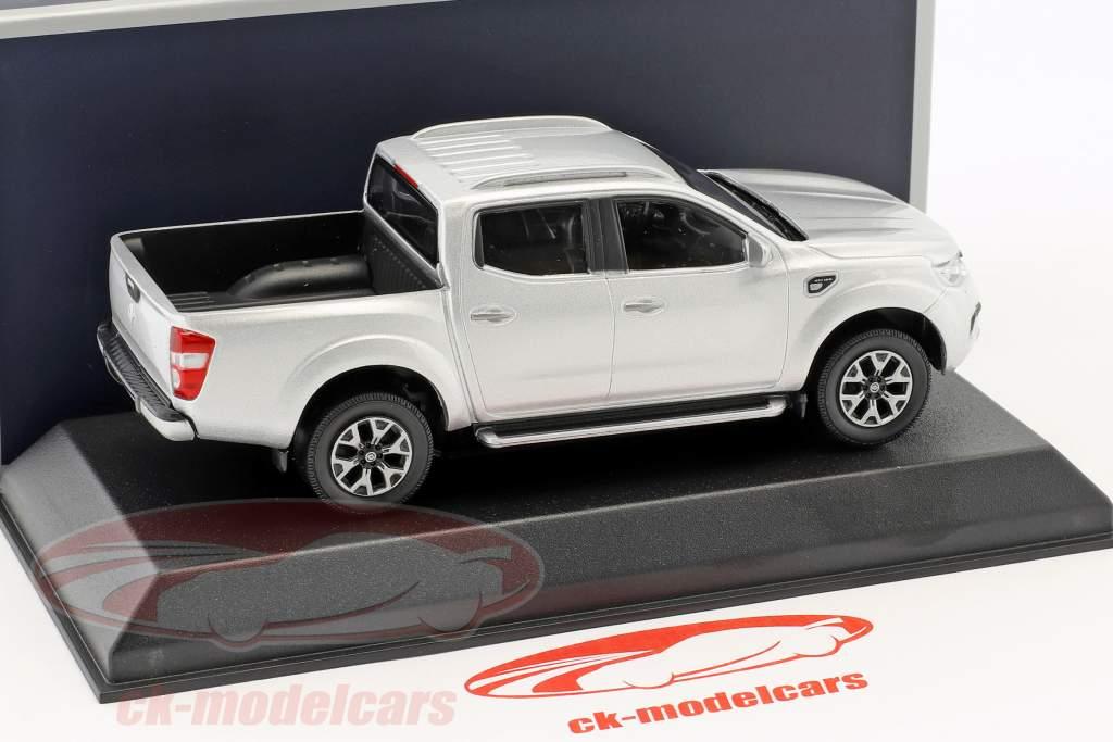 Renault Alaskan Pick-Up anno di costruzione 2017 argento 1:43 Norev