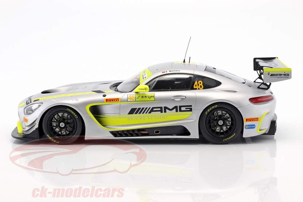 Mercedes-Benz AMG GT3 #48 gagnant FIA GT World Cup Macau 2017 Edoardo Mortara 1:18 Spark
