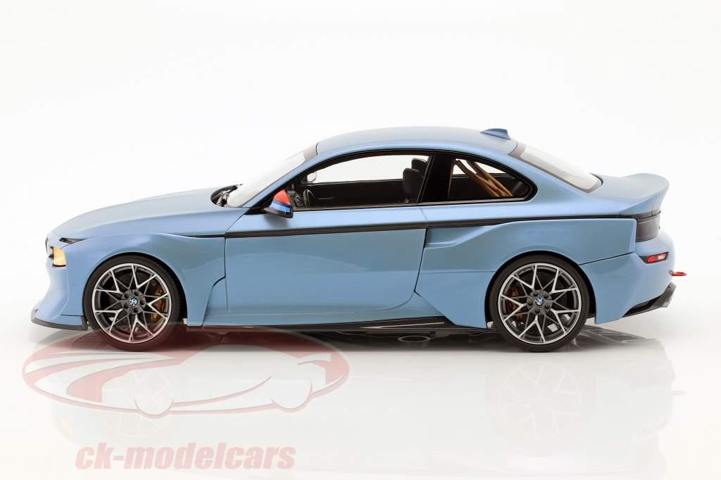 BMW 2002 Hommage Collection eisblau metallic 1:18 Norev