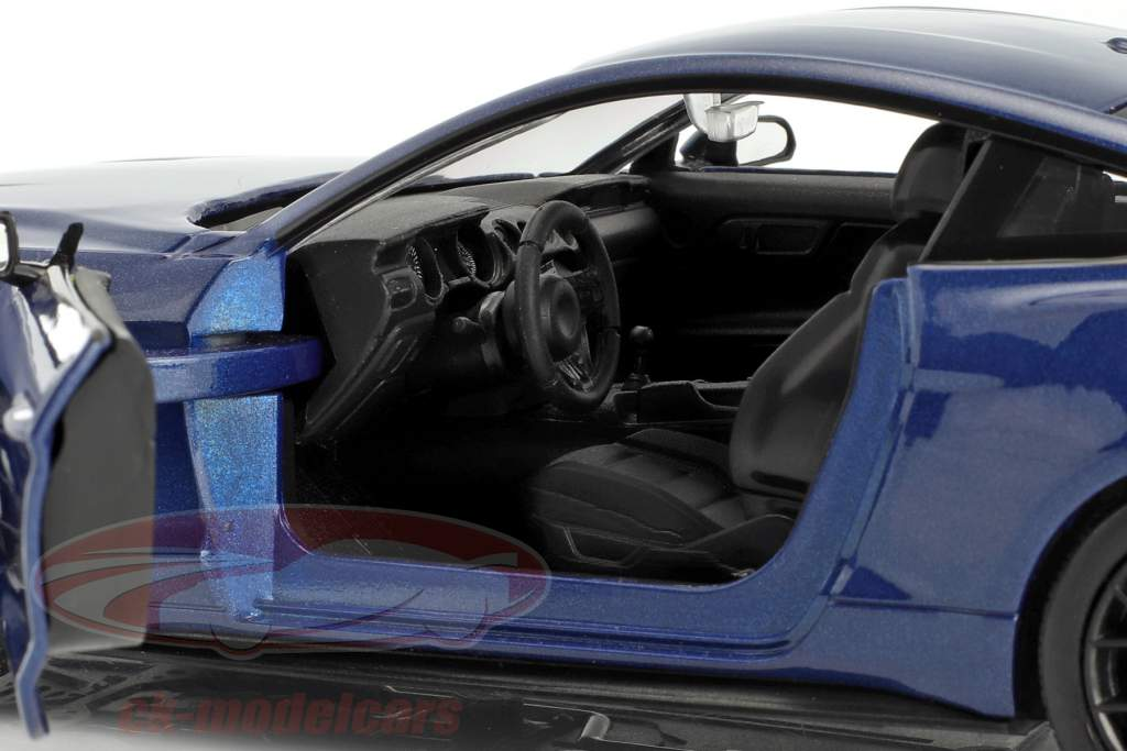 Ford Mustang GT 5.0 V8 Baujahr 2018 blau metallic 1:24 MotorMax