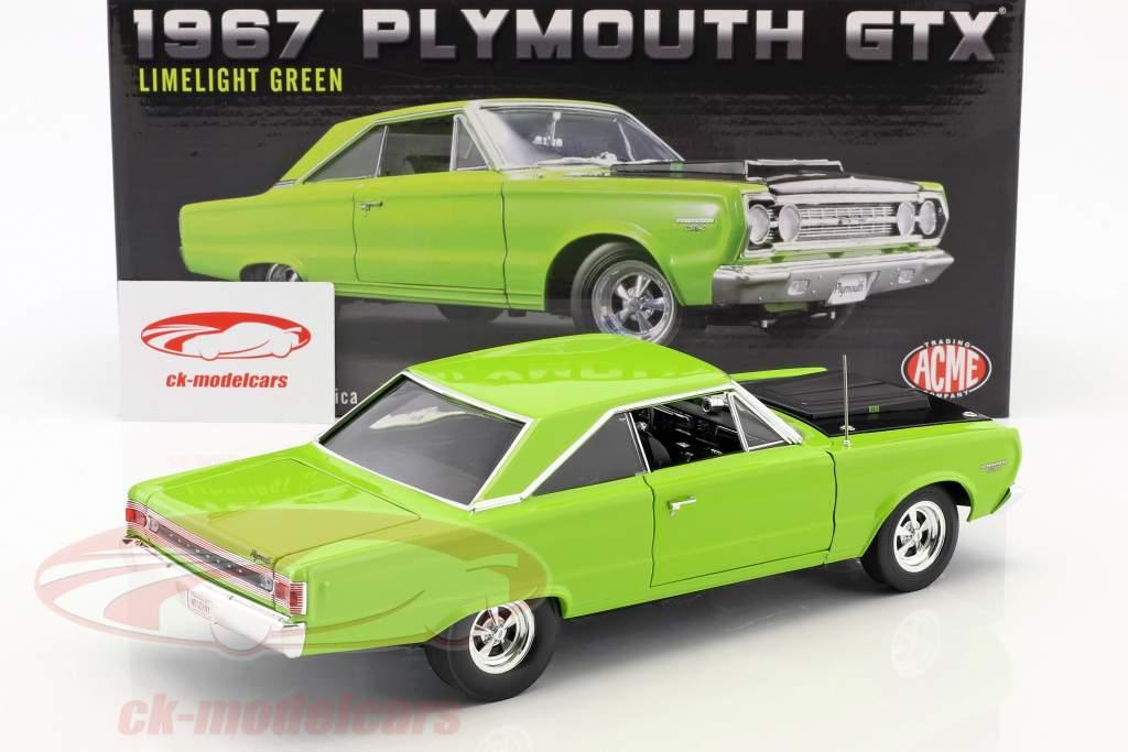 Plymouth Hemi GTX Bouwjaar 1967 helder groen 1:18 GMP