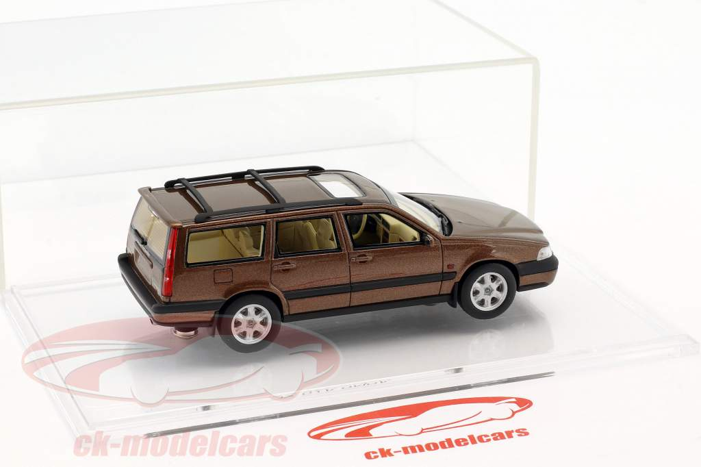 Volvo V70 XC Bouwjaar 1997 sandstone bruin metalen 1:43 DNA Collectibles