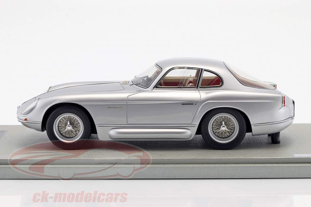 Alfa Romeo 2000 Sportiva by Bertone anno di costruzione 1954 argento metallico 1:18 Tecnomodel
