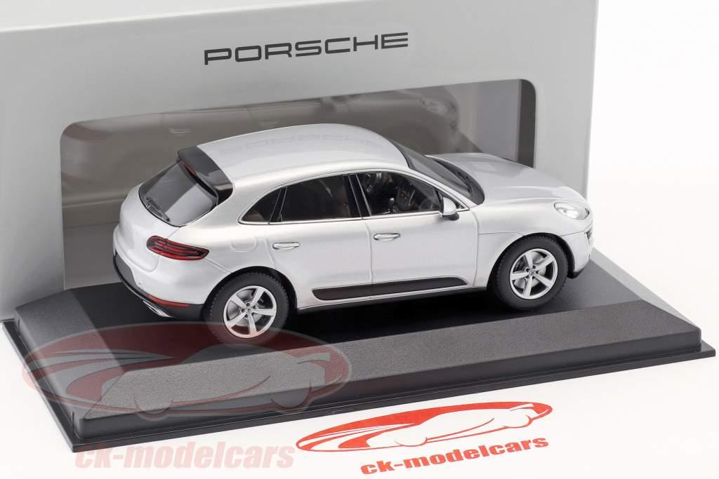 Porsche Macan Bouwjaar 2013 rhodium zilver 1:43 Minichamps