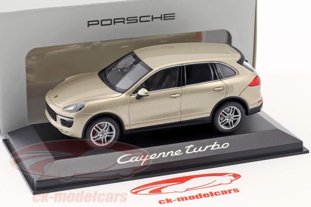 Porsche Cayenne Turbo Ano 2014 ouro 1:43 Minichamps