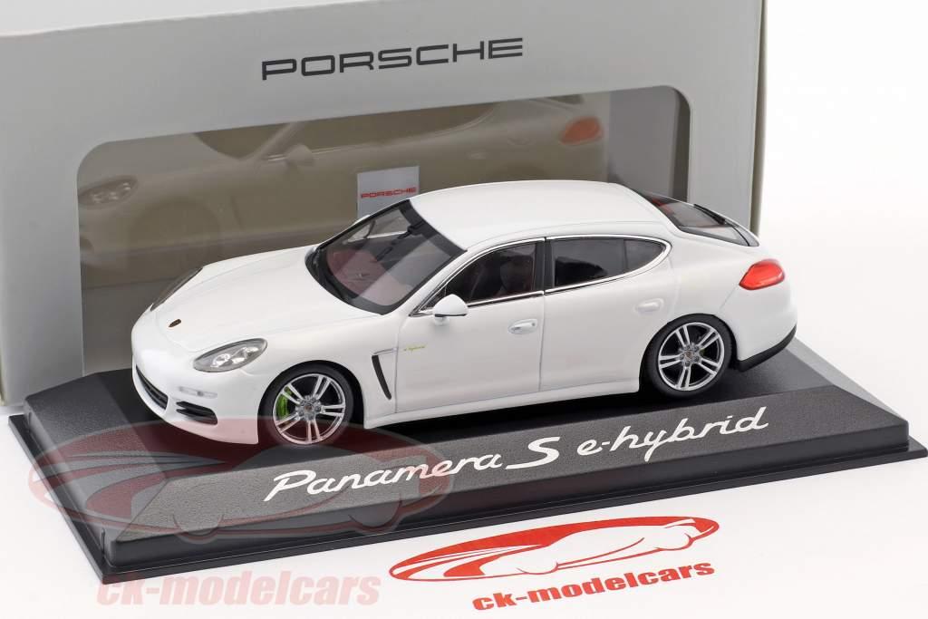 Porsche Panamera S Gen. II e-hybrid Bouwjaar 2014 wit 1:43 Minichamps