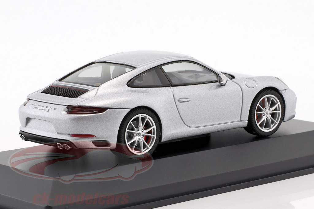 Porsche 911 (991 II) Carrera S Coupe year 2016 silver metallic 1:43 Herpa
