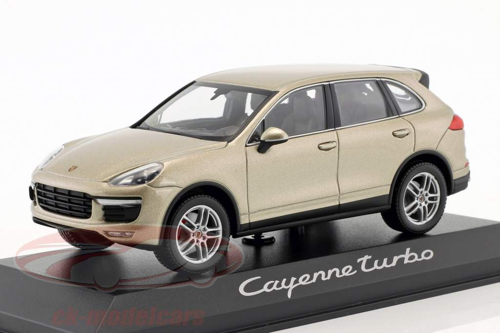 Porsche Cayenne Turbo Jaar 2014 goud 1:43 Minichamps