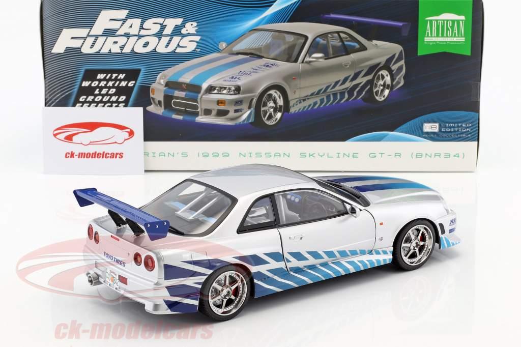 Brian's Nissan Skyline GT-R (BNR34) 1999 film 2 Fast 2 Furious (2003) argento / blu 1:18 Greenlight