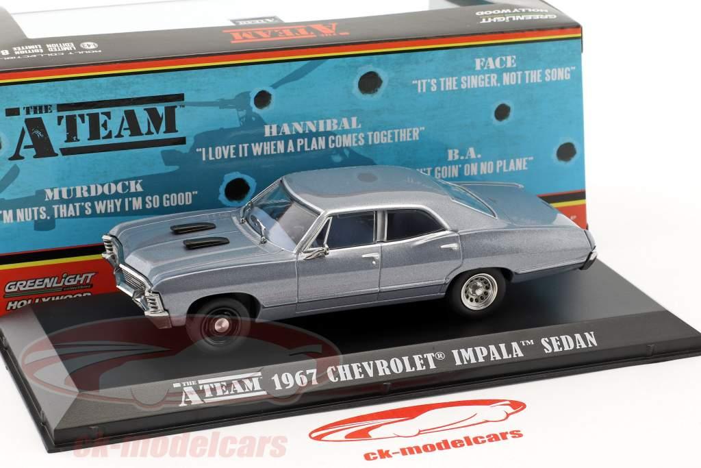 Chevrolet Impala Sport Sedan Bouwjaar 1967 tv-serie de A-Team (1983-87) blauw grijs 1:43 Greenlight