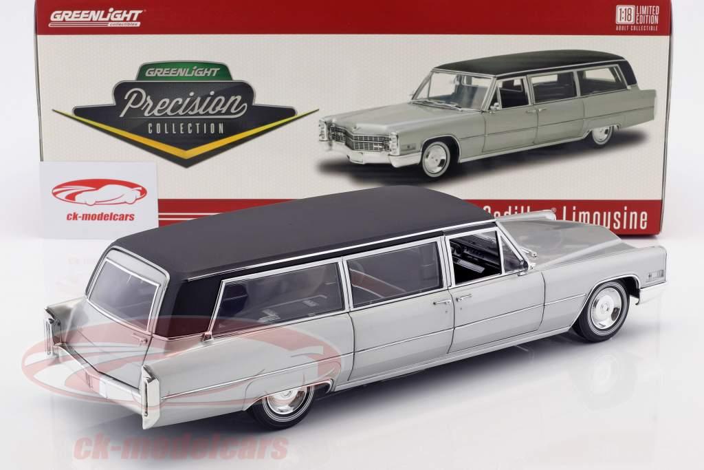 Cadillac S&S Limousine Bouwjaar 1966 zilver / zwart 1:18 Greenlight