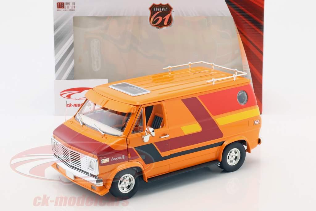 Chevrolet G-Series furgone anno di costruzione 1976 arancione / rosso / giallo 1:18 Greenlight