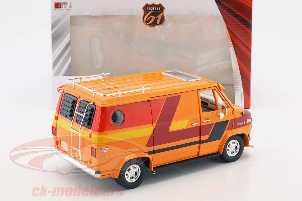 Chevrolet G-Series furgoneta año de construcción 1976 naranja / rojo / amarillo 1:18 Greenlight
