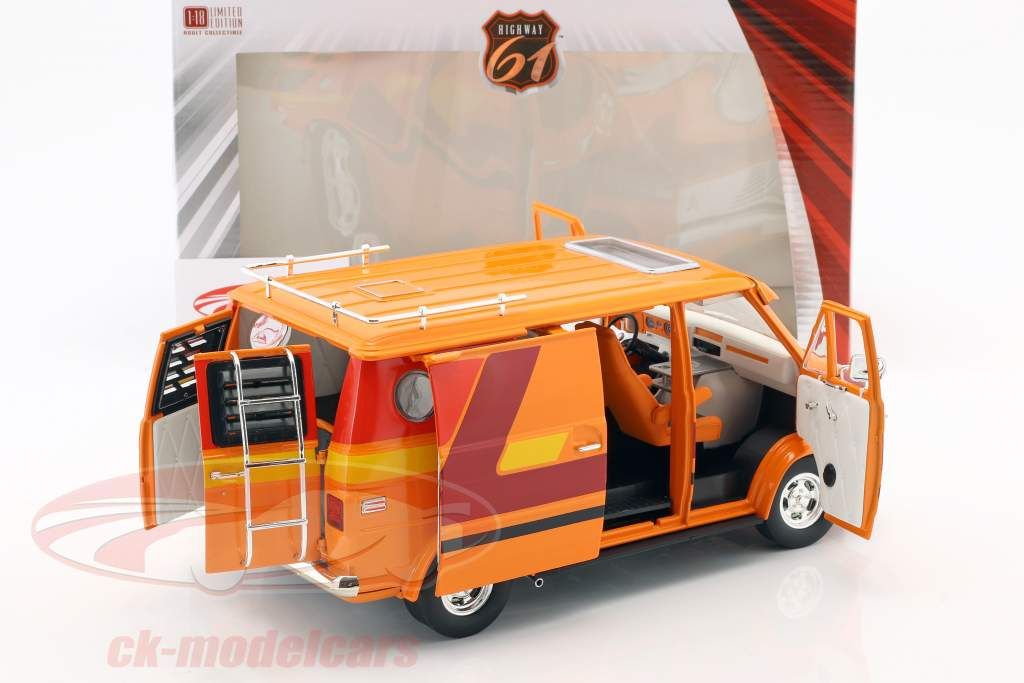 Chevrolet G-Series Van Baujahr 1976 orange / rot / gelb 1:18 Greenlight