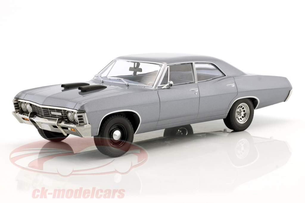 Chevrolet Impala Sport Sedan anno di costruzione 1967 serie TV il A-Team (1983-87) grigio blu 1:18 Greenlight