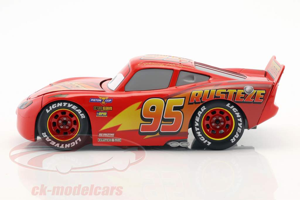 Lightning McQueen con Tire Set Disney film Cars 3 (2017) rosso 1:24 Jada Toys