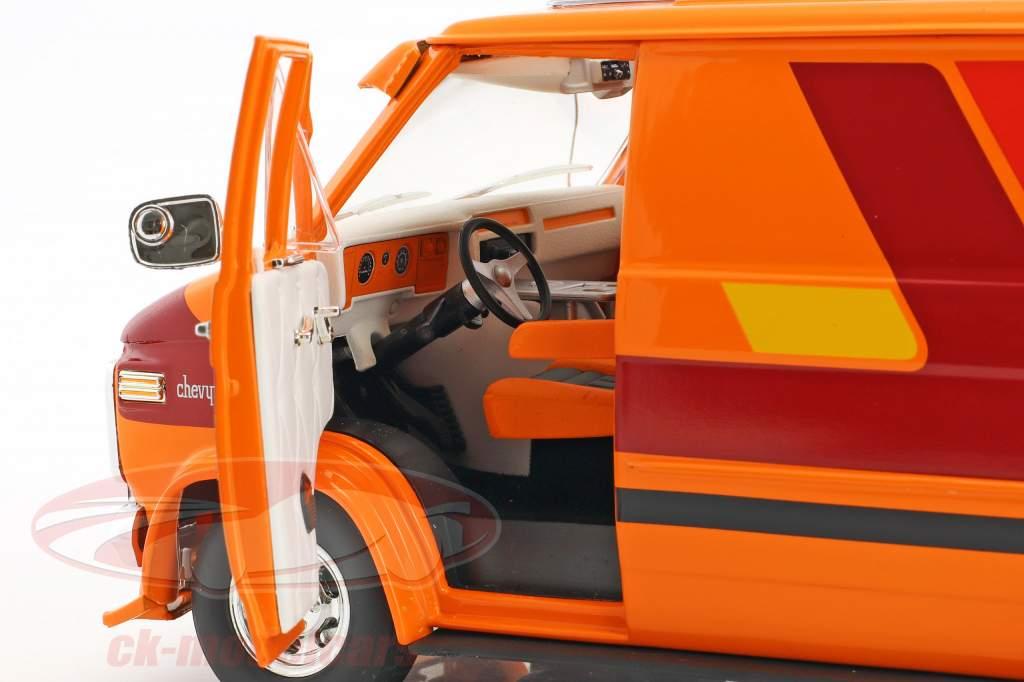 Chevrolet G-Series van Opførselsår 1976 appelsin / rød / gul 1:18 Greenlight
