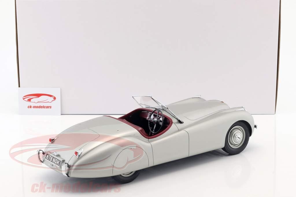 Jaguar XK 120 OTS anno di costruzione 1948-1954 argento 1:12 Matrix