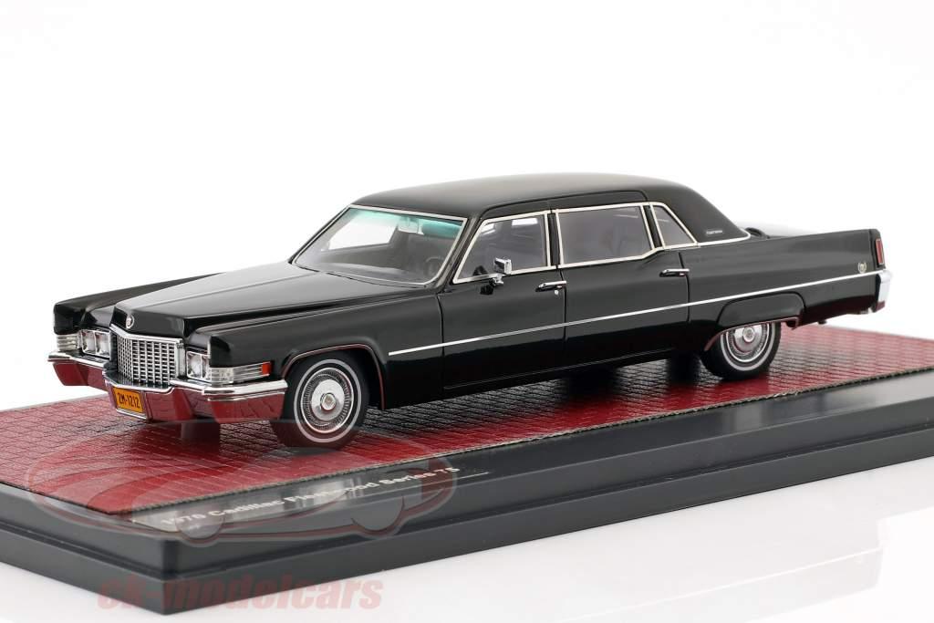 Cadillac Fleetwood Series 75 año de construcción 1970 negro 1:43 Matrix