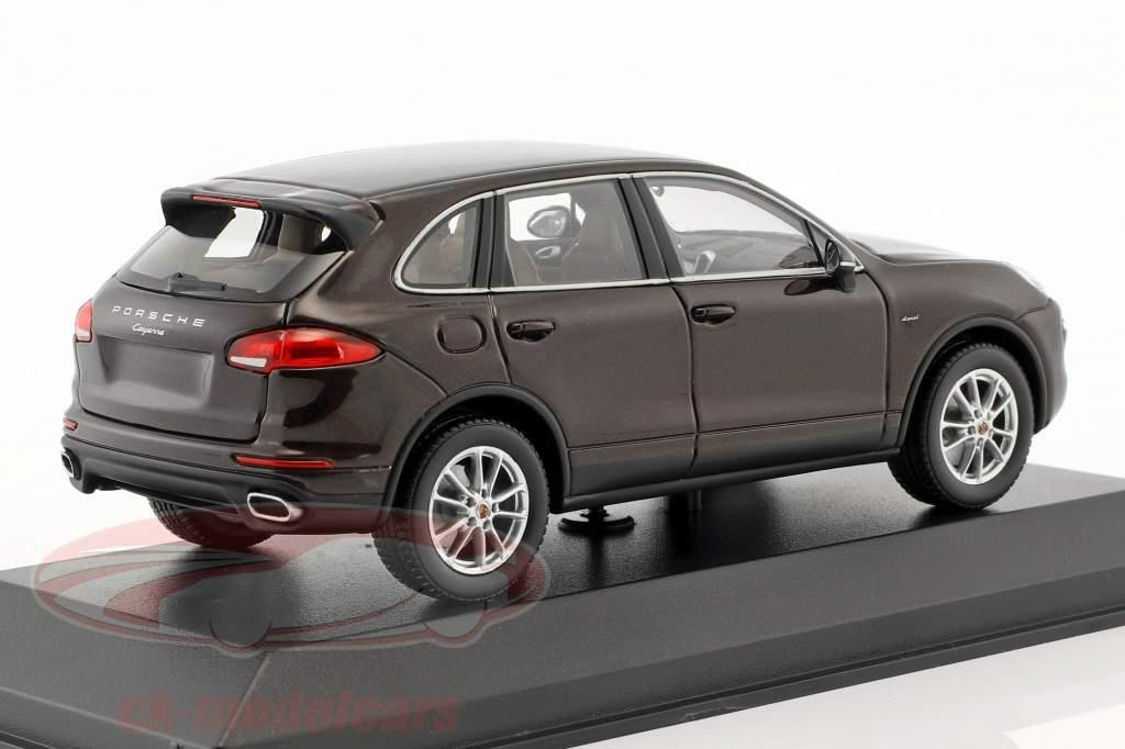 Porsche Cayenne (958) E2 II Diesel 2014 caoba marrón metálico 1:43 Minichamps