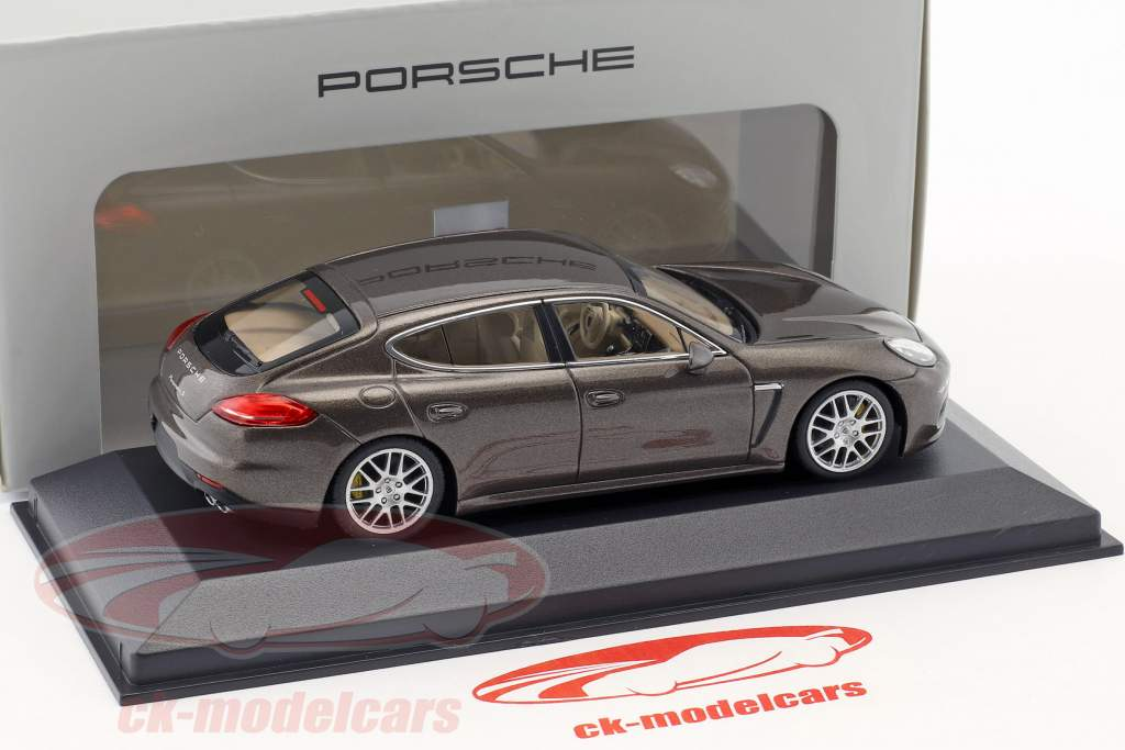 Porsche Panamera S Gen. II Baujahr 2014 braun metallic 1:43 Minichamps