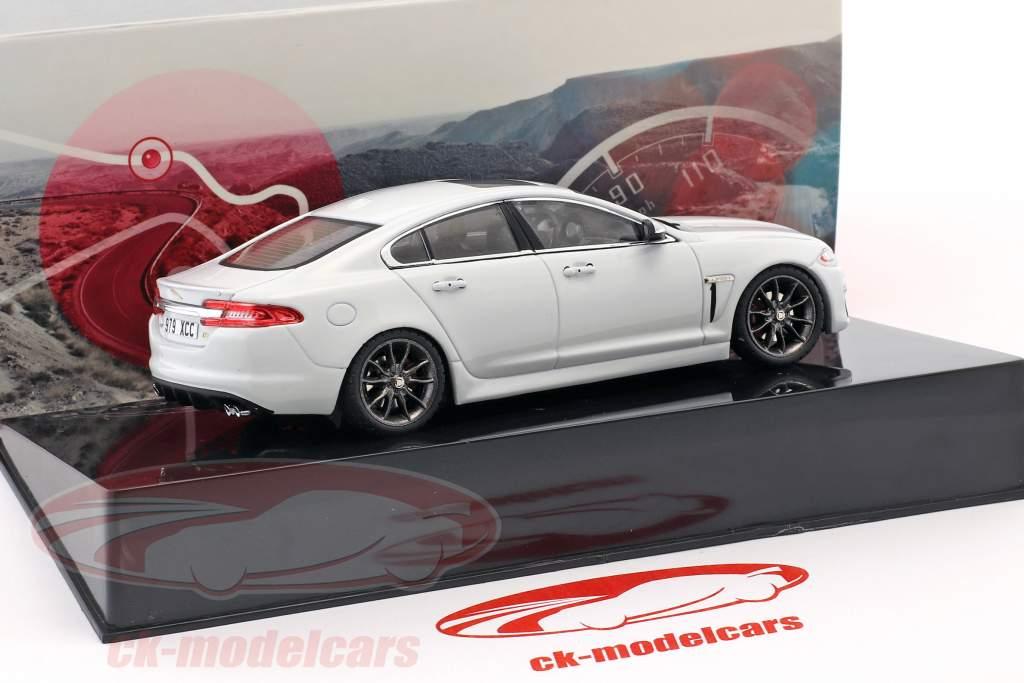 Jaguar XFR polær hvid 1:43 Ixo