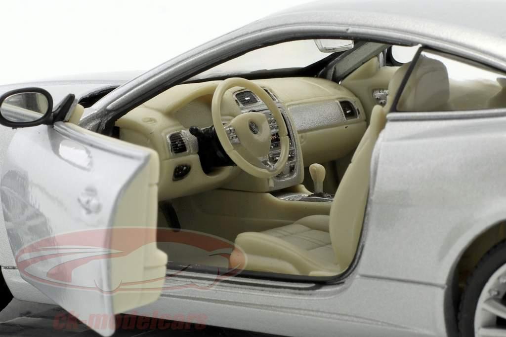 Jaguar XK Coupe année de construction 2005 argent métallique 1:24 Welly