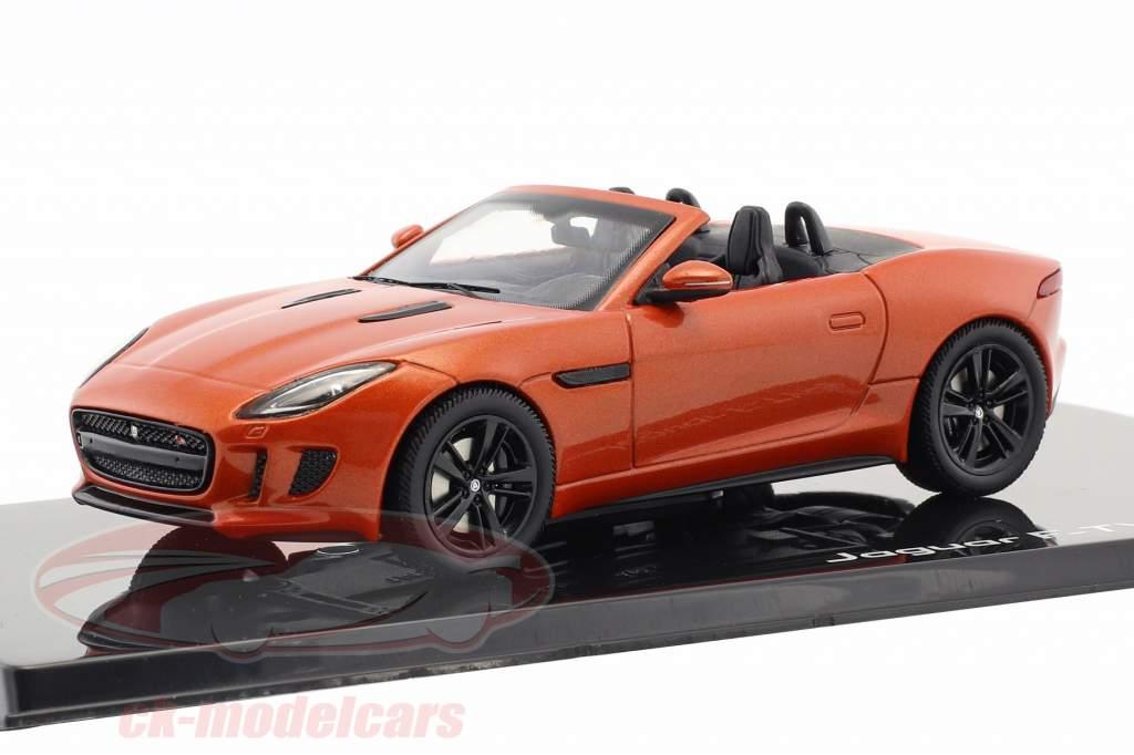 Jaguar F-Type V8-S cabriolé año de construcción 2013 arena de fuego metálico 1:43 Ixo