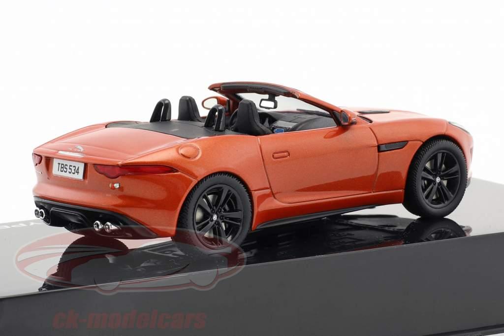 Jaguar F-Type V8-S Cabriolet Baujahr 2013 feuersand metallic 1:43 Ixo