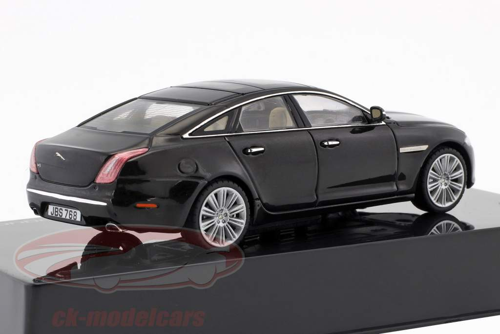 Jaguar XJ (X351) year 2009 amethyst black 1:43 Ixo