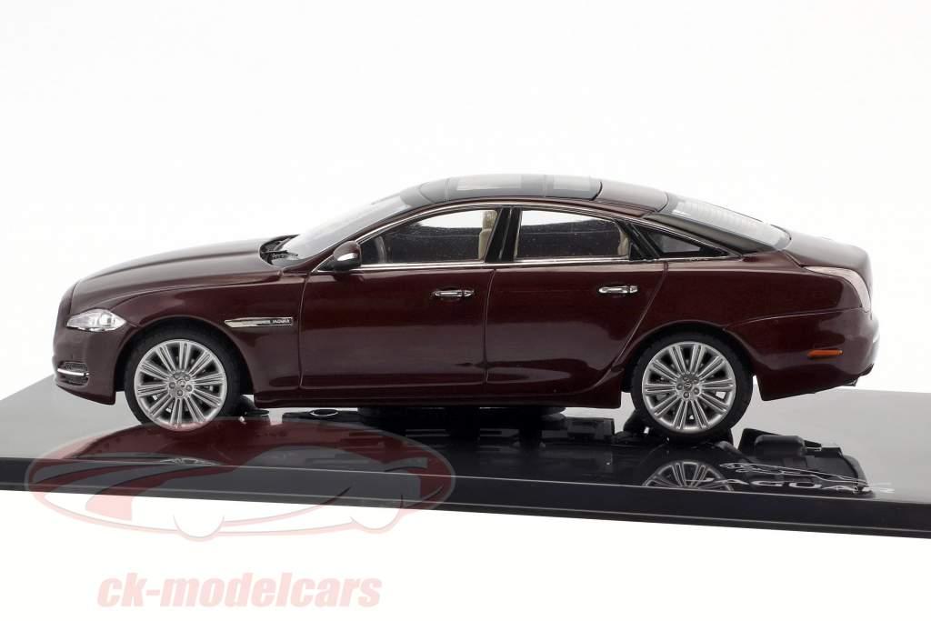 Jaguar XJ (X351) year 2009 caviar / maroon 1:43 Ixo