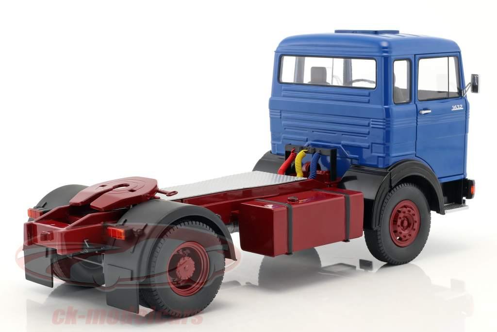 Mercedes-Benz LPS 1632 trekker Bouwjaar 1969 blauw / donker rood 1:18 Road Kings