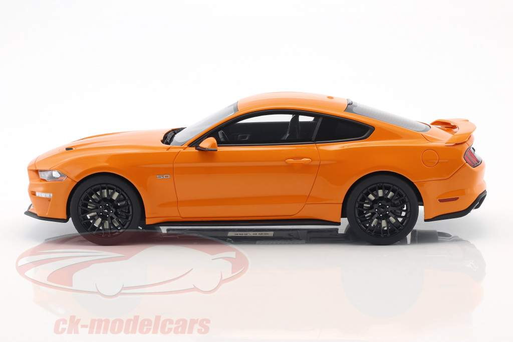 Ford Mustang GT coupe year 2019 fury orange 1:18 GT-Spirit