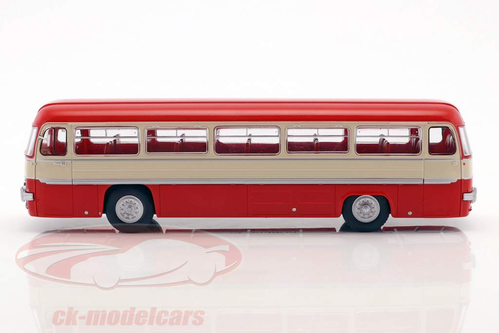 Chausson ANG bus France année de construction 1956 rouge / blanc / argent 1:43 Altaya
