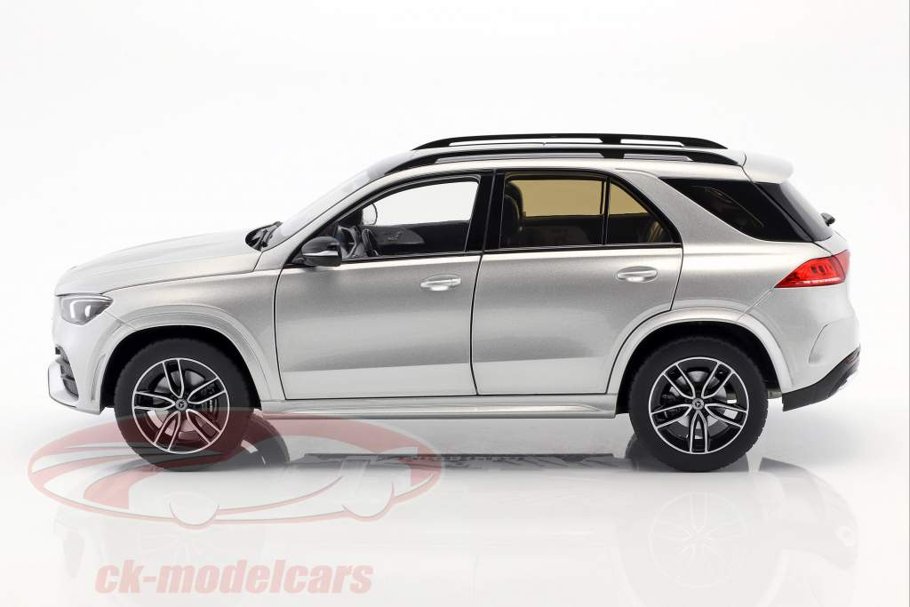 Mercedes-Benz GLE (V167) ano de construção 2018 iridium prata 1:18 Norev