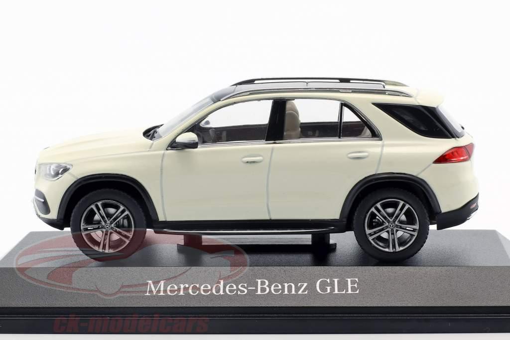 Mercedes-Benz GLE (V167) Opførselsår 2018 designo diamant hvid bright 1:43 Norev