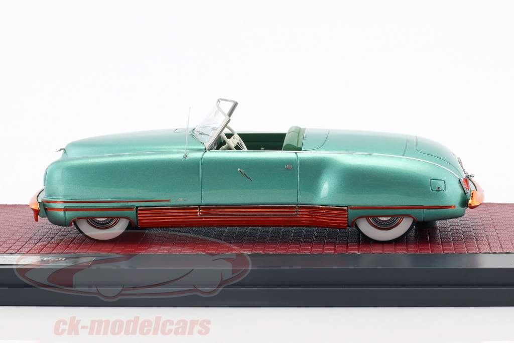 Chrysler Thunderbolt Concept Le Baron Open Top year 1941 green metallic 1:43 Matrix