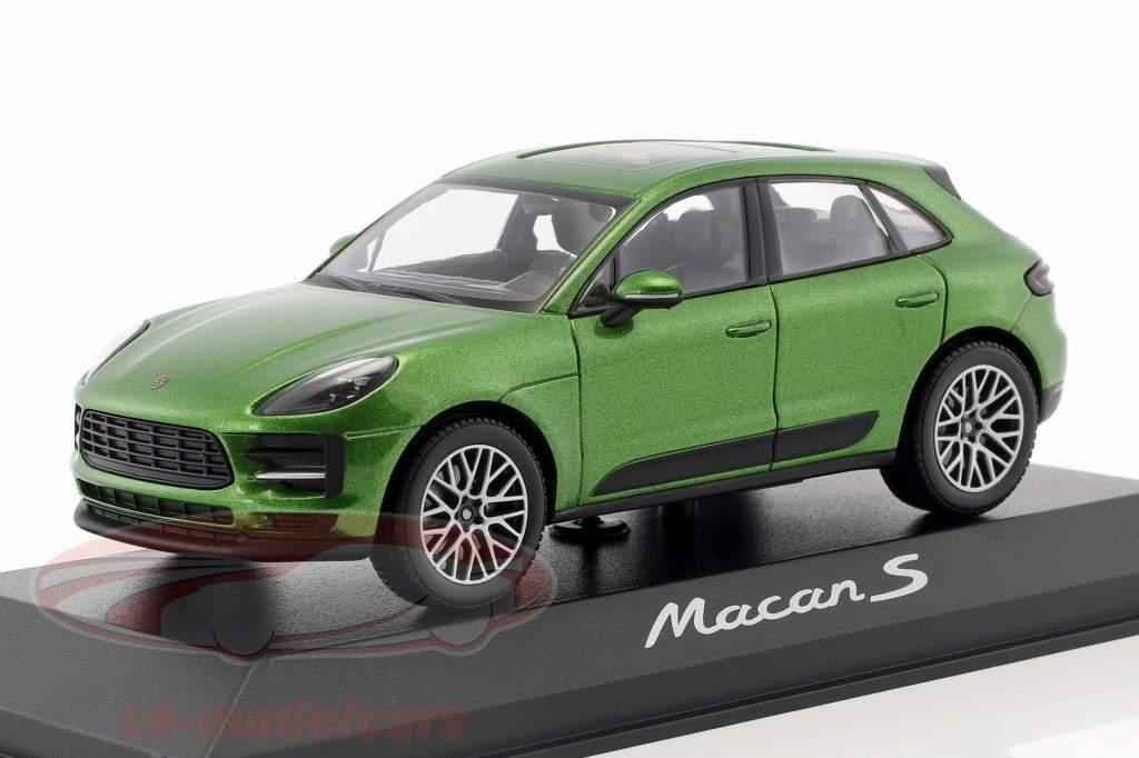 Porsche Macan S year 2018 mamba green metallic 1:43 Minichamps