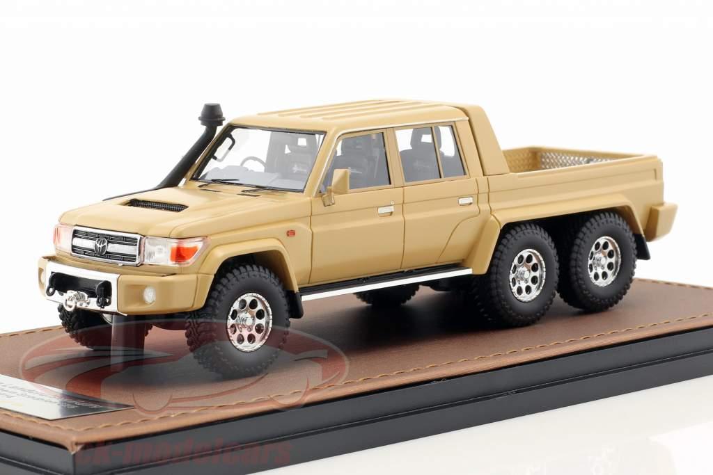 Toyota Landcruiser FJ79 MDT Southern Scorpion 6x6 ano de construção 2014 bege 1:43 GLM