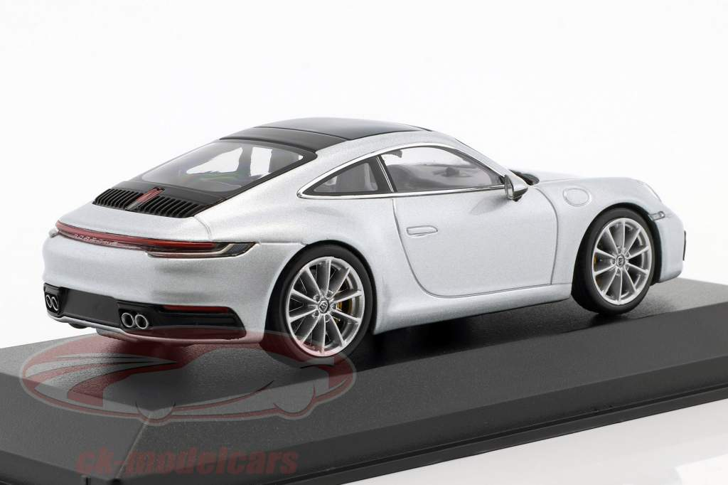Porsche 911 (992) C2S coupe ano de construção 2019 dolomit prata metálico 1:43 Minichamps
